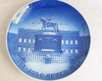 Large B&G Plate - The Royal Palace - 1970 - Blue Decorative Christmas Plate - Dinner Plate