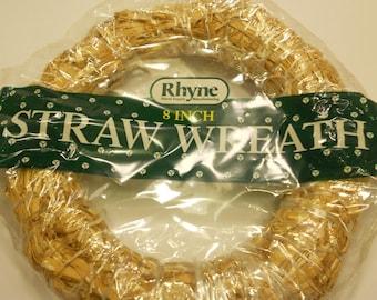 8 inch straw wreath (R4)