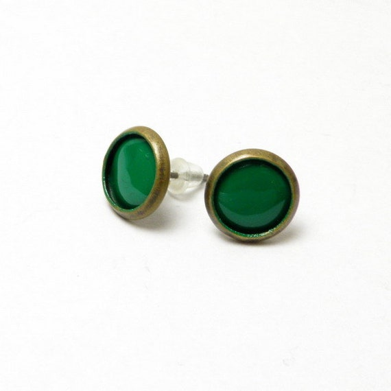 Green enamel studs, copper, small 10mm