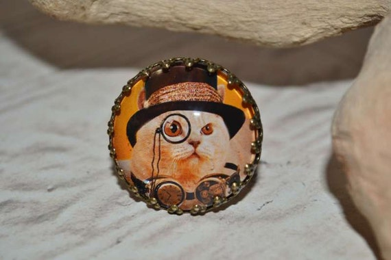 Steampunk Kitty Ring, Cat with Hat and Goggles, Cat Ring in Antiqued Brass
