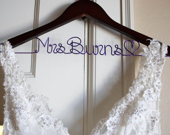 Bridal Hanger, Wedding Dress Hanger, Bride Hanger, Bride Gift, Bridal Shower Gift, Name Hanger, Wedding Hanger, Personalized Bridesmaid Gift
