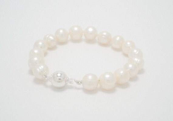 Size Medium - White baroque ringed 10-11mm freshwater pearl bracelet with sterling silver ball clasp