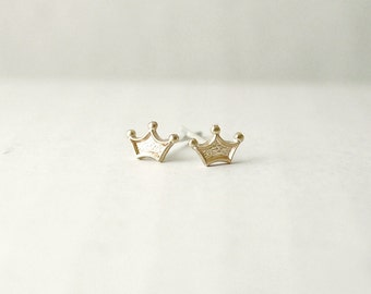 Tiny tiara post earrings - brass charm on sterling silver posts - illusy