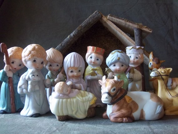 Precious Moments Nativity Set With Stable Christmas Treasury