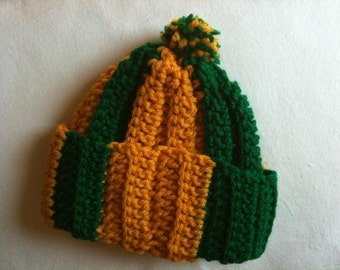 Vintage baby hat: green and gold