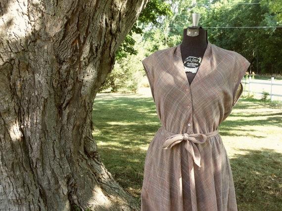 Vintage Dress / Medium/Large Dress / Fall Dress