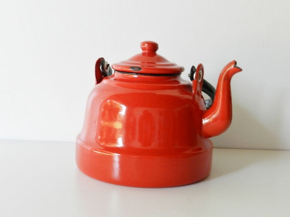 Beautiful Vintage RED TEA pot - Retro home decor or kitchen decor- Camping implement-