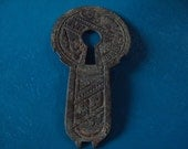 antique ornate keyhole plate from thepresidentspalace