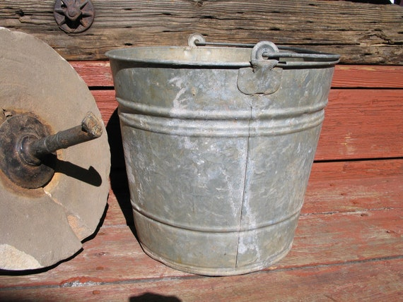 Vintage galvanized metal bucket pail no 12 by for Rustic galvanized buckets