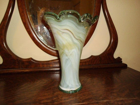 Hand blown Arkansas/Hoosier art glass tall swirl vase