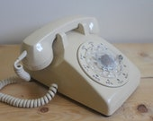 Cream Vintage Rotary Telephone