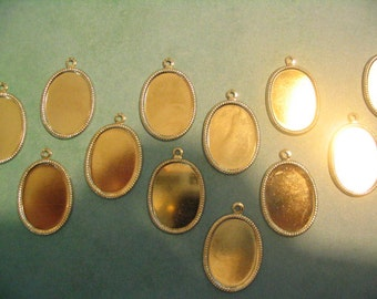 12 Vintage Silverplated 25x18mm Settings