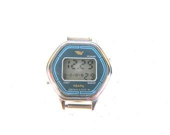 Soviet electronic wrist watch Soviet quartz watch Small electronic unisex wrist watch Soviet vintage electronic watch
