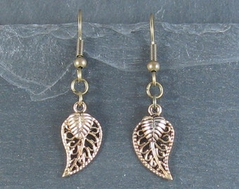Fashion Jewellery - Antique gold plated leaves earrings (filigree)