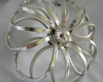 Lightweight Bright Shiny Silver Tone Open Floral Design Brooch - Signed MARVELLA - Vintage 1980 -1990
