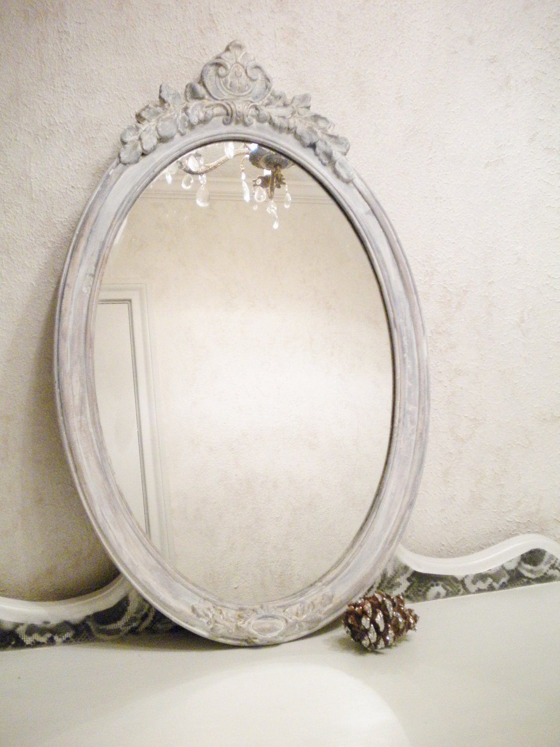 Chic vintage mirror large vintage wood shabby chic mirror for Espejo vintage plateado