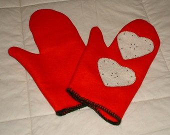 Red mittens with love