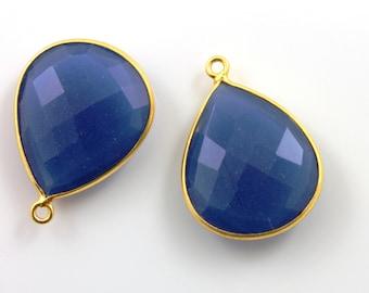 Sapphire Blue Chalcedony, Bezel Pear Shape Gemstone Component, 24K Gold Vermeil Over Sterling Silver,  21x25mm 1 Piece, (BZC3068)