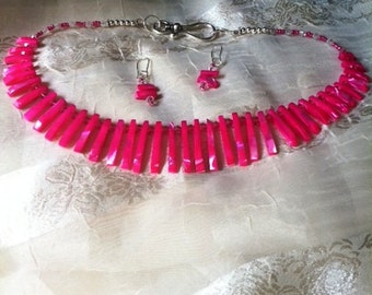 HOT Pink MOP Fan Necklace & FREE Earrings Cleopatra Collar Daggers