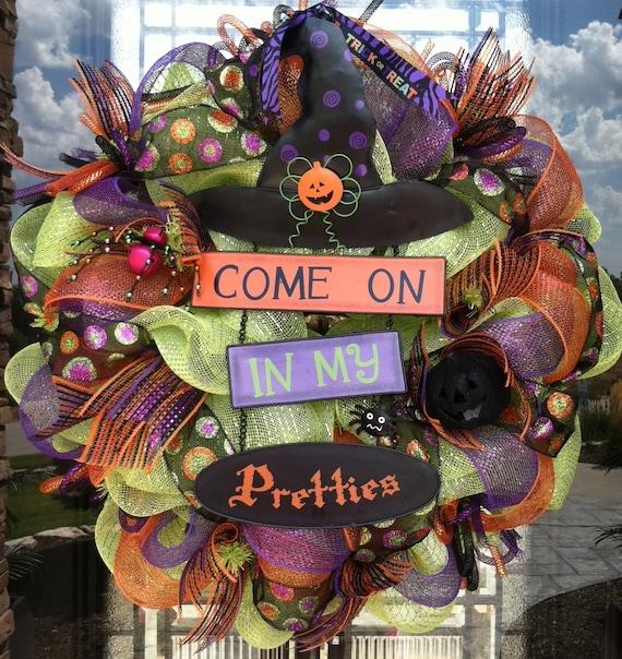 Come in My Pretties deco mesh Halloween Wreath