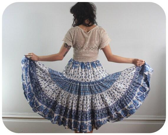 70s BLUE PAISLEY CIRCLE Skirt - Vintage Tiered Skirt - medium to large