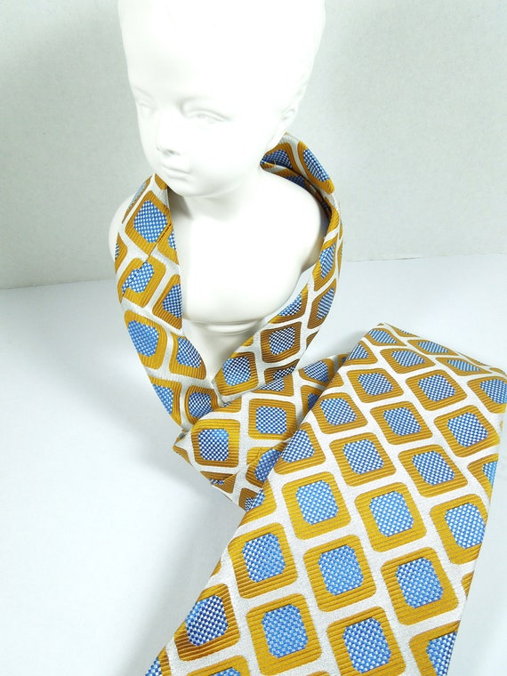 Vintage yApres Necktie-Circa 1970's -FREE Shipping-Polyester Fabric from Switzerland