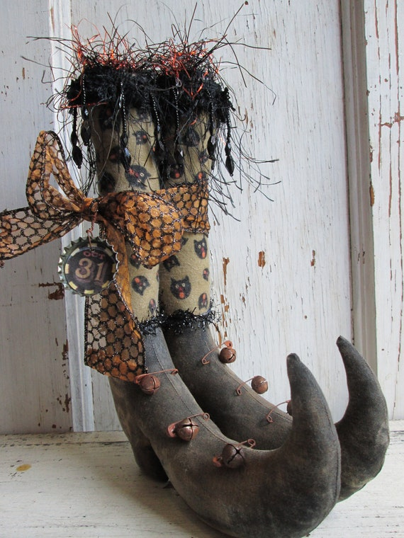 Primitive Halloween Witch Boots Tucks w/Cat print Stockings