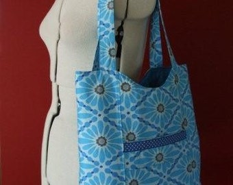 Quilted shopper in bright blue floral