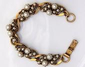 Vintage Designer Bracelet. Gold Tone with Pearls in Various Sizes - Signed Florenza  - Link Bracelet