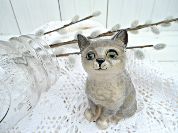 Vintage Royal Doulton Cat Figurine - grey kitten sitting made in England