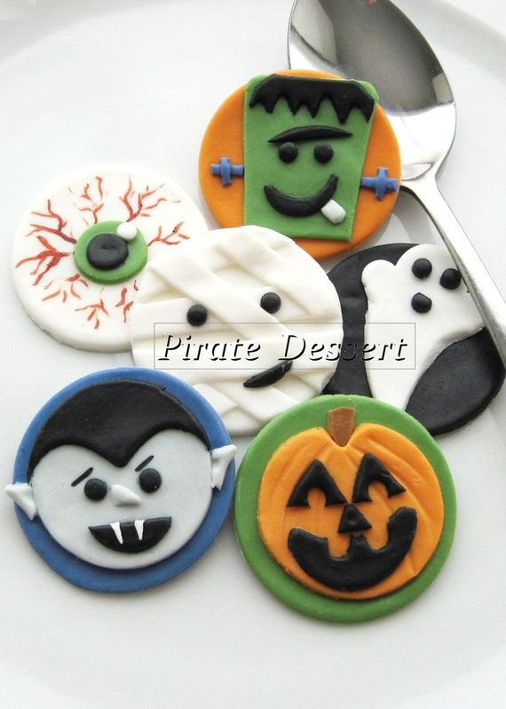edible halloween cupcake toppers vampires fondant cake decorations halloween cupcakes dracula 6 pieces - Edible Halloween Decorations