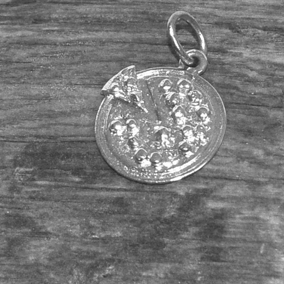 Pizza Pie Silver Charm, Sterling Silver Charm, Silver Pizza charm for Bracelet, Necklace Pendant