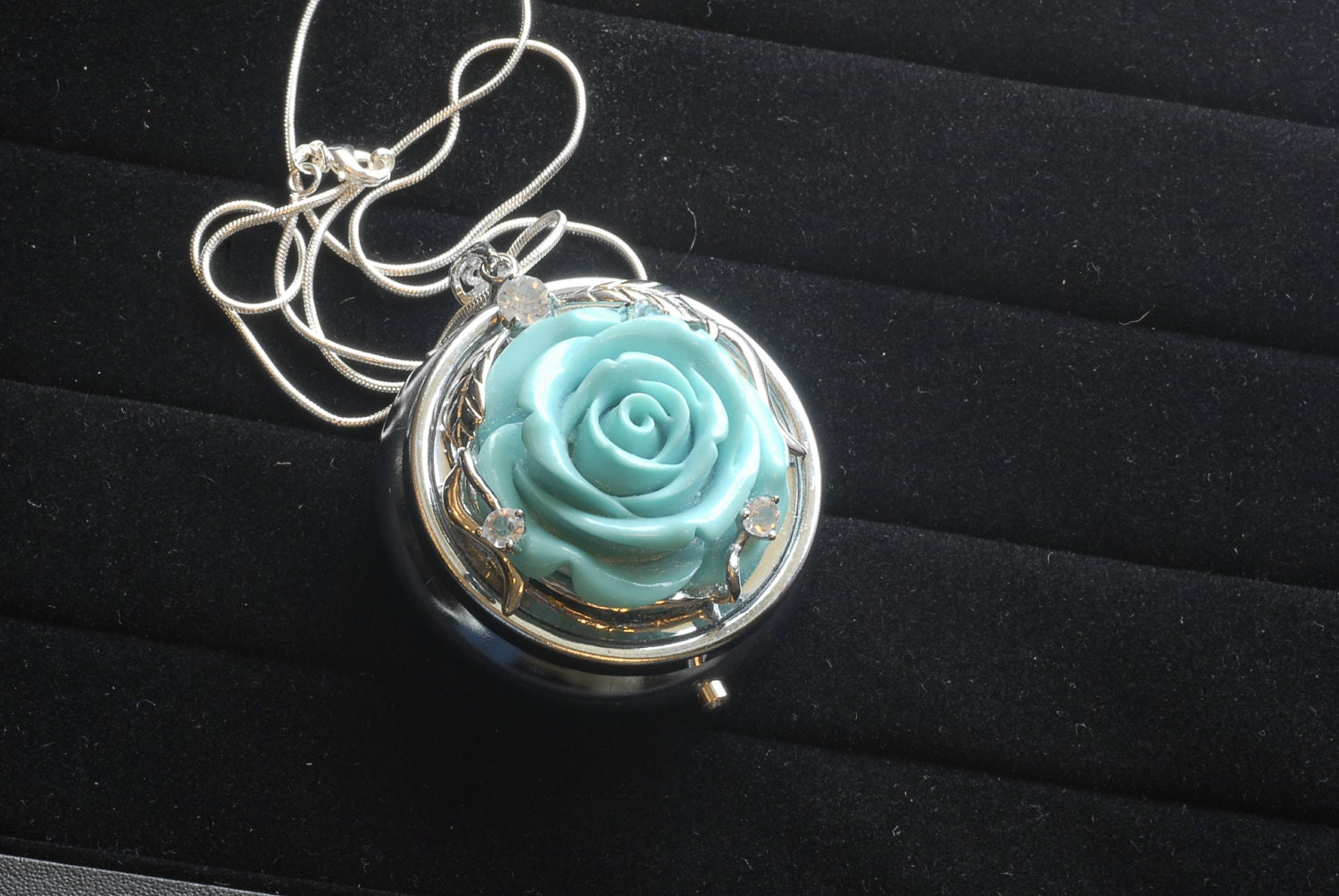 Turquoise Rose Music Box Pendant Necklace With Necklace