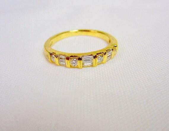 14k .30 Ctw  DIAMOND WEDDING BAND Size 5 (r343