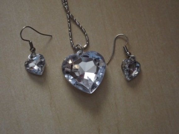 Necklace charm heart shape, clear with matching earrings