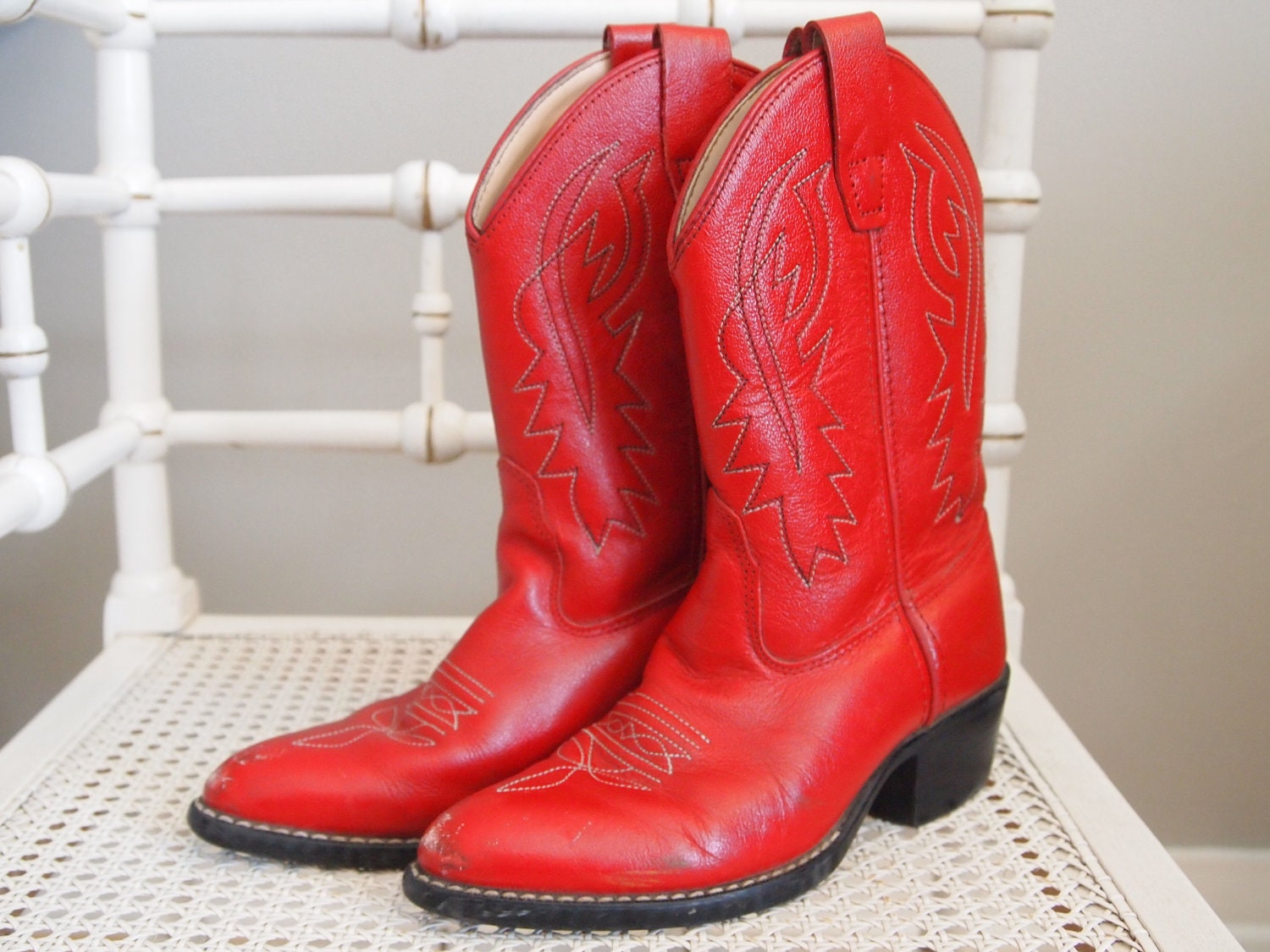 size 5.5 vintage red cowboy boots by violetcrownvintage on Etsy