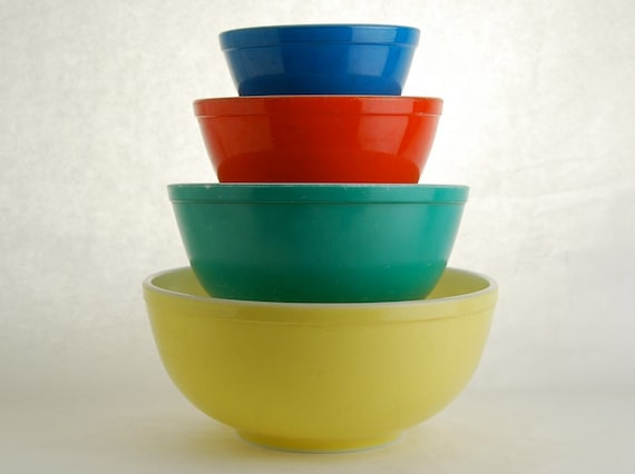 Vintage Pyrex Primary Colors Mixing Bowls