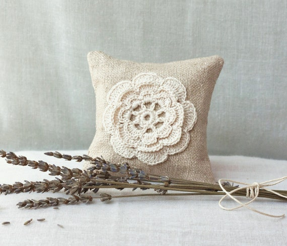 Linen Lavender Sachet - Natural Eco Friendly Gifts - Wedding Favor - Raw Linen dryed Lavanda.