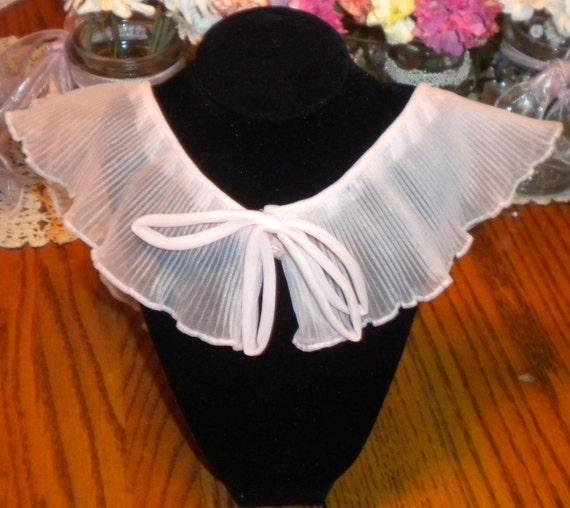 Vintage 1960s Pink Organza Collar Ruffled Beautiful Rare Mothers Day Graduation Epsteam