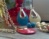 Vintage Mod Sarah Coventry Coral, Cream and Turquoise Necklace and Earring Set with Box RARE TOTAL SET