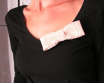 Pin knot lace ecru. 1212