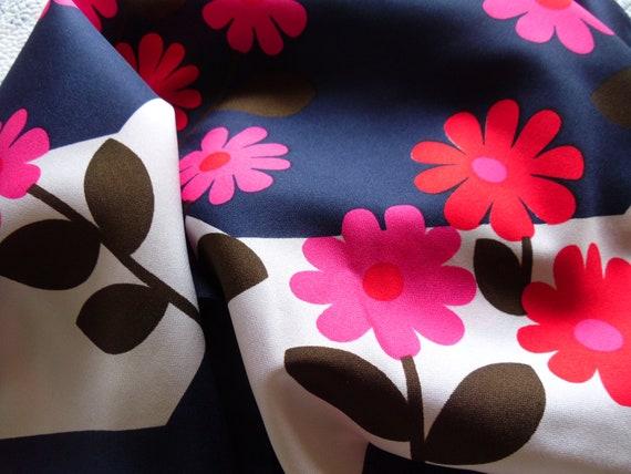 Flower Power Vintage 60s Kooky Kitsch Floral Print Trevira Scarf Neckerchief