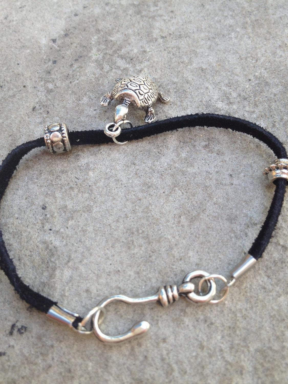 Mens leather fish hook bracelet for Mens fishing bracelet