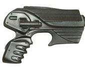 Farscape peacekeeper pulse pistol resin movie prop - kit or painted.