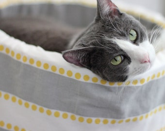 "Modern Cat Bed, 12"" Self Warming Cat Bed in Grey Stripe"