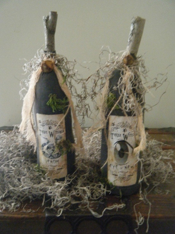 pRiMiTiVe HaLLoWeeN WitCh PoTiOn BottLeS oRniE bOwL FiLLeRs    SET of 4