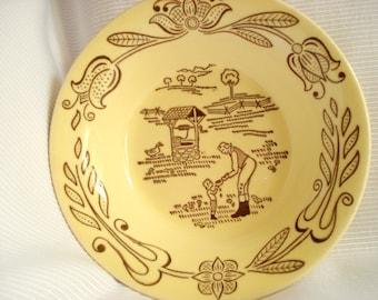 Retro Bowl Yellow Berry Pennsylvania Dutch Style Mid Century Modern Retro Vintage