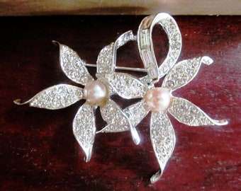 Vintage French Boucher Pearl and Rhinestone Flower Brooch, Wedding Brooch, Bridal Brooch, Engagement, Bridal Bouquet