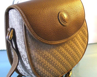 Gucci Signature Crossbody Half Moon Bag Made in Italy