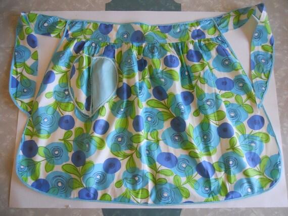 Retro apron turquoise green vintage